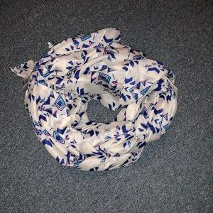 Patterned scarf 🦋